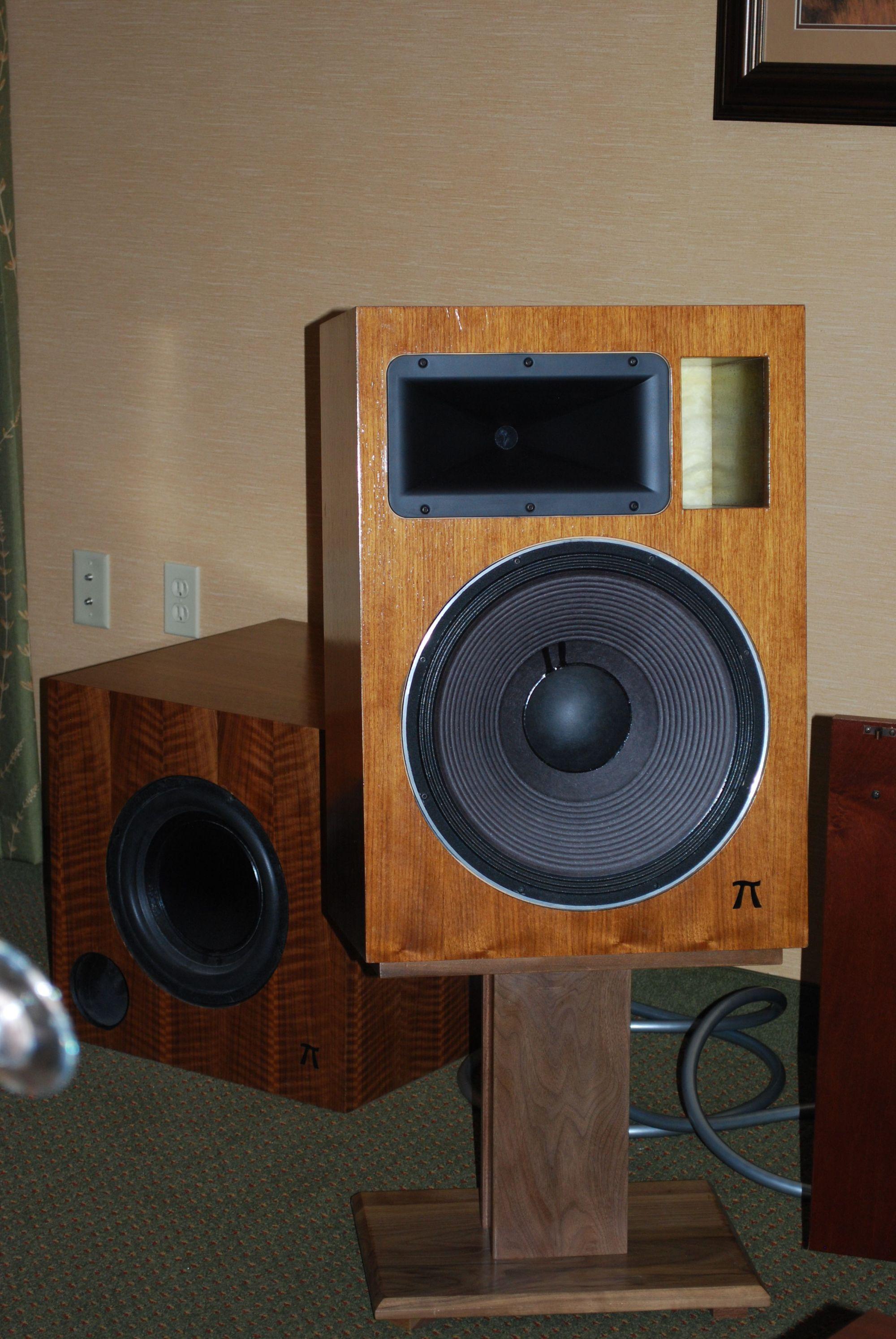 http://LoneStarAudioFest.com/2013/Photos/Dsc_0001.jpg