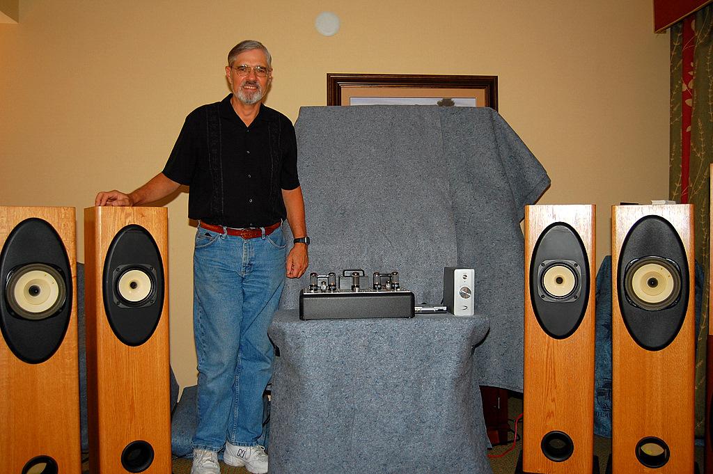 http://lonestaraudiofest.com/2009/Photos/Brines_03.jpg