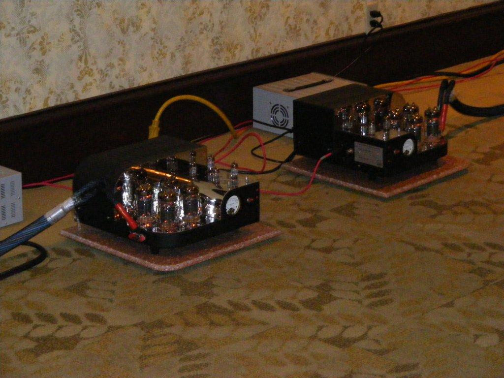 http://lonestaraudiofest.com/2009/Photos/ClassicAudio_15.jpg