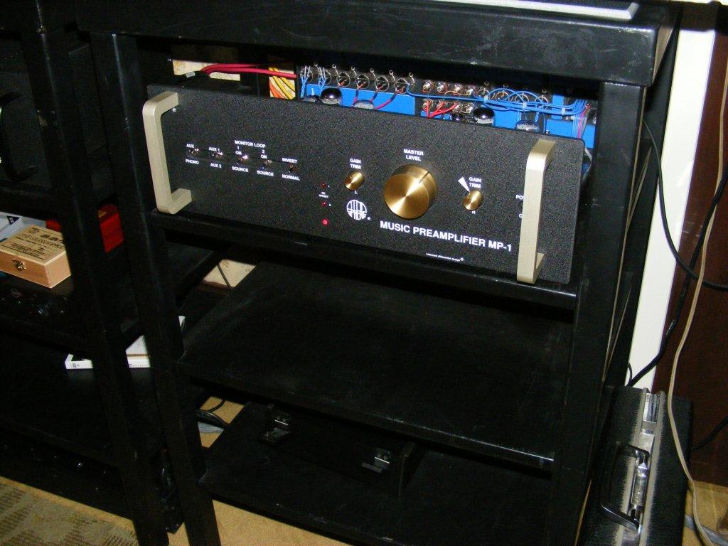 http://lonestaraudiofest.com/2009/Photos/ClassicAudio_17.jpg