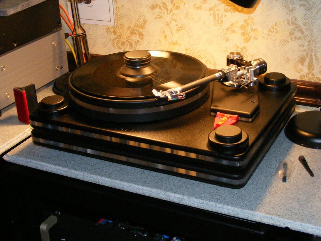 http://lonestaraudiofest.com/2009/Photos/ClassicAudio_18.jpg