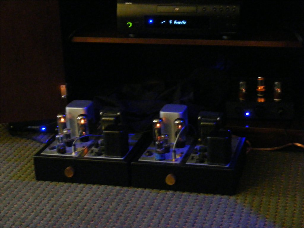http://lonestaraudiofest.com/2009/Photos/JimRivers_04.jpg