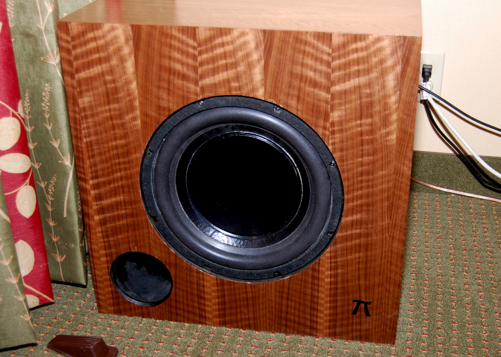 http://lonestaraudiofest.com/2009/Photos/PiSpeakers_01.jpg