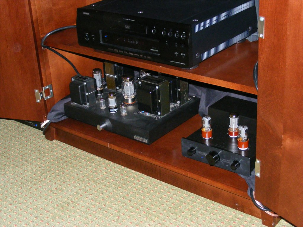 http://lonestaraudiofest.com/2009/Photos/PiSpeakers_07.jpg