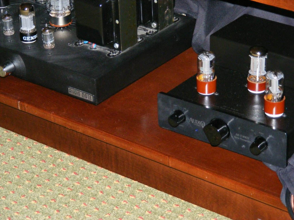 http://lonestaraudiofest.com/2009/Photos/PiSpeakers_09.jpg