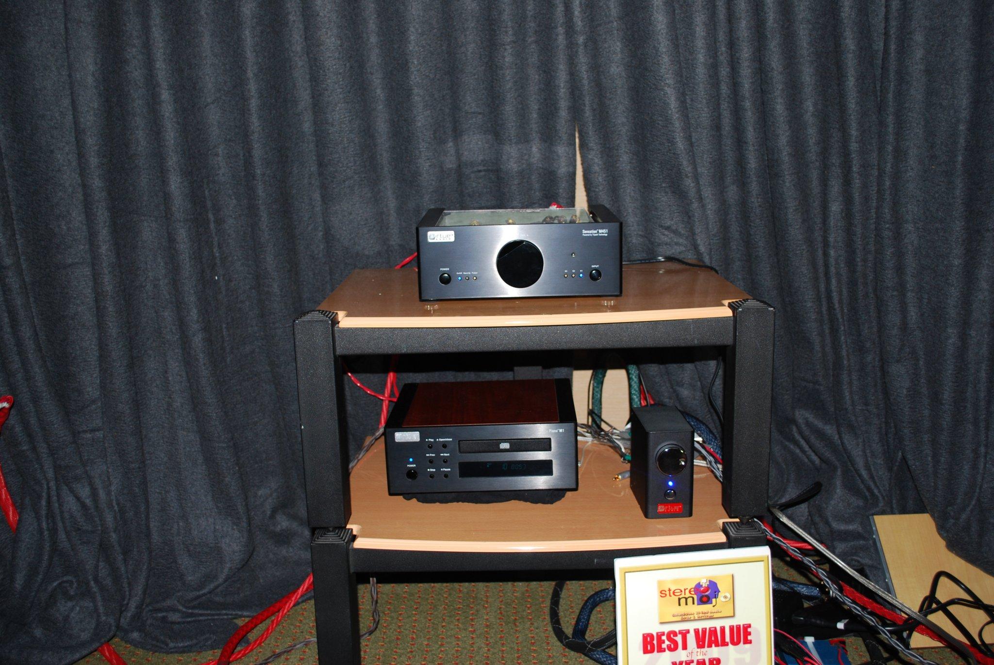 http://lonestaraudiofest.com/2010/Photos/Dsc_0029.jpg