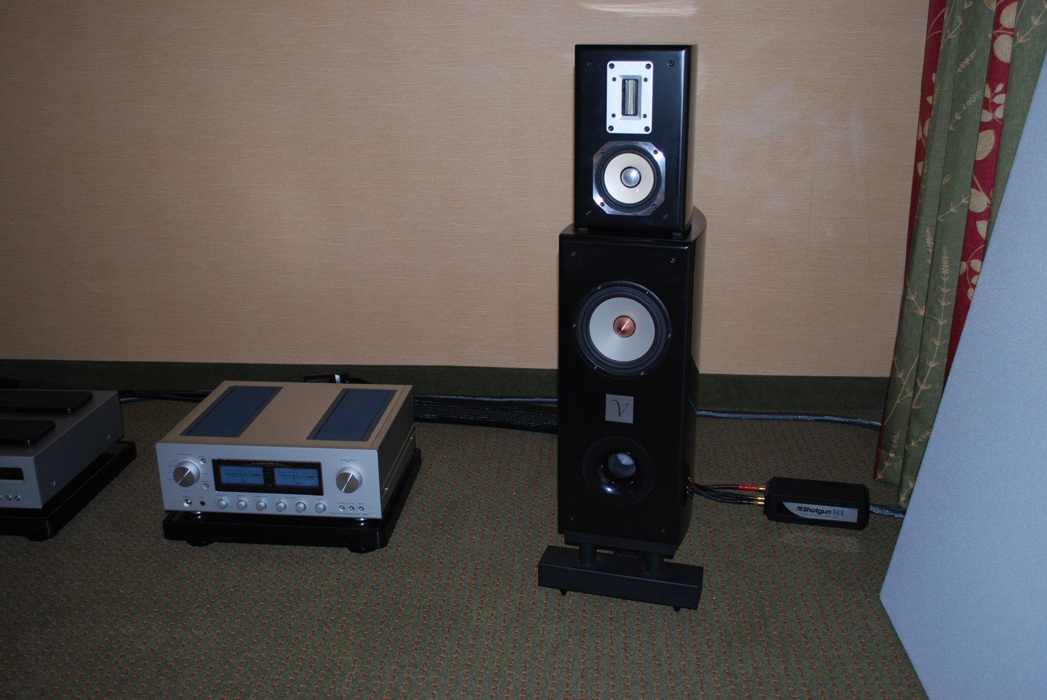 http://lonestaraudiofest.com/2010/Photos/Dsc_0055.jpg