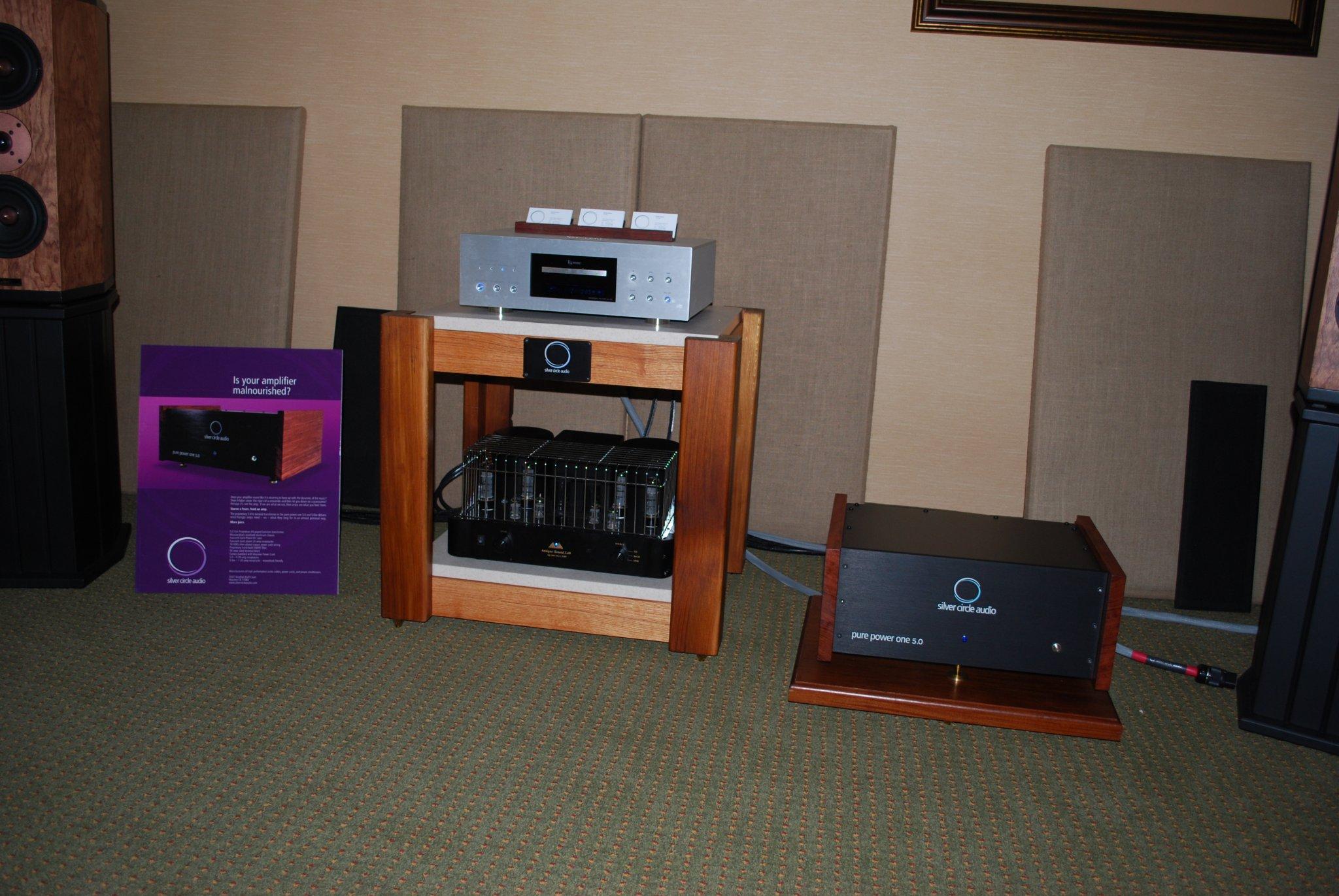 http://lonestaraudiofest.com/2010/Photos/Dsc_0068.jpg
