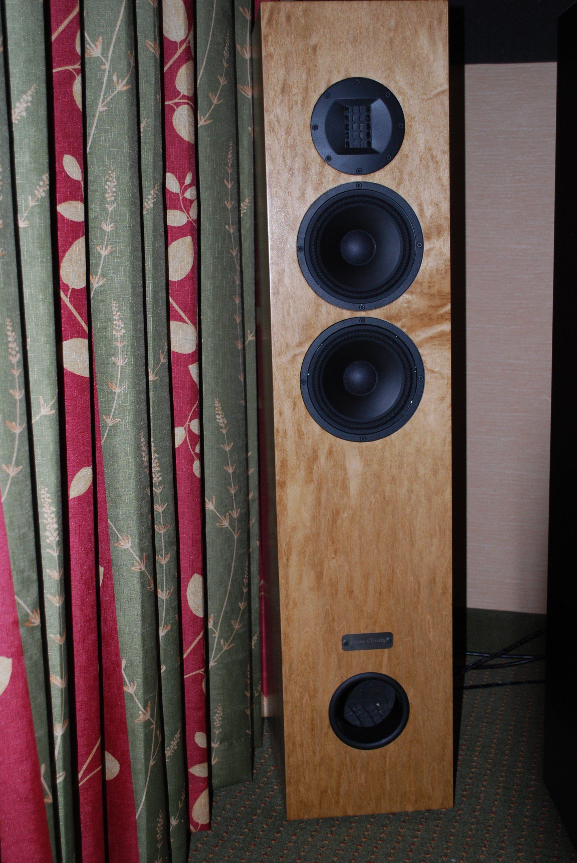 http://lonestaraudiofest.com/2011/Photos/LSAF_2011_033.jpg