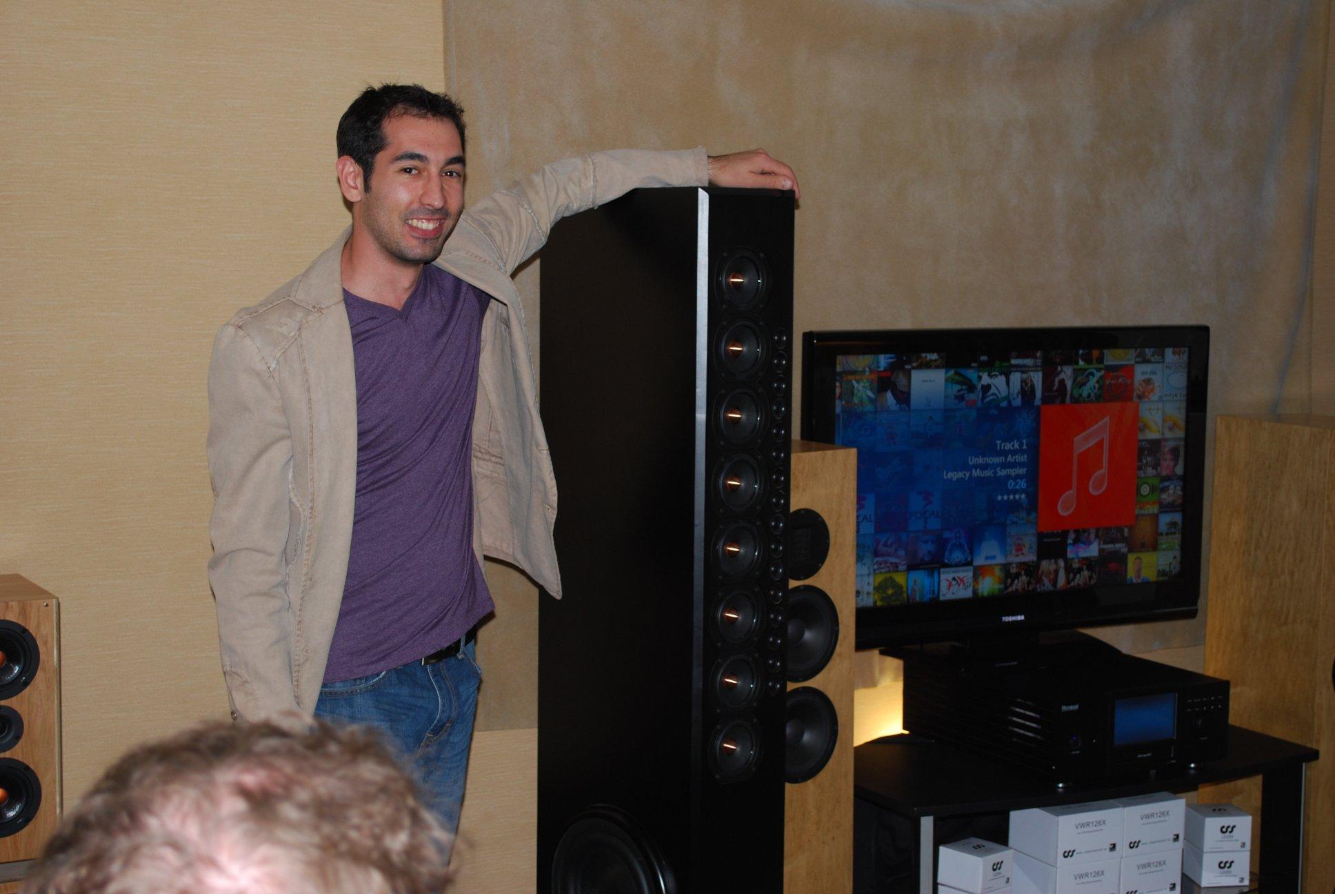 http://lonestaraudiofest.com/2012/Photos/DSC_0025.JPG