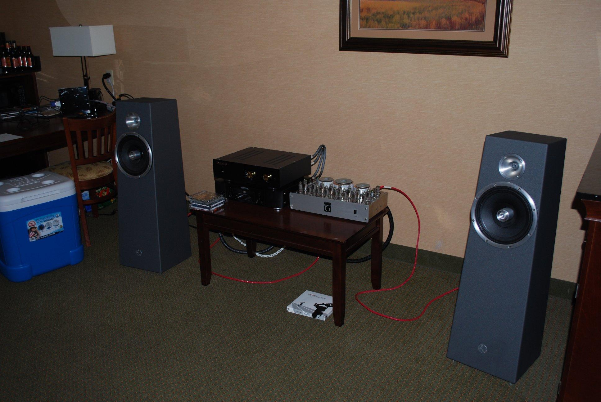 http://lonestaraudiofest.com/2012/Photos/DSC_0033.JPG