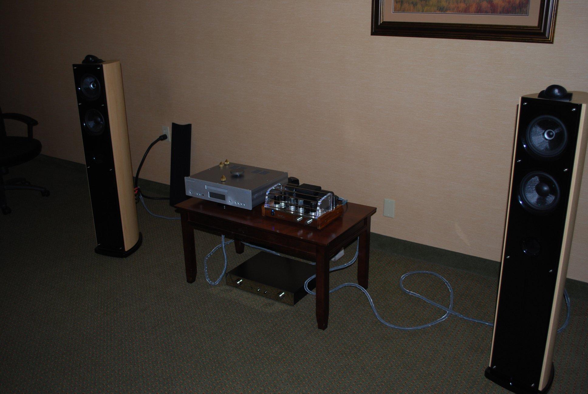 http://lonestaraudiofest.com/2012/Photos/DSC_0052.JPG
