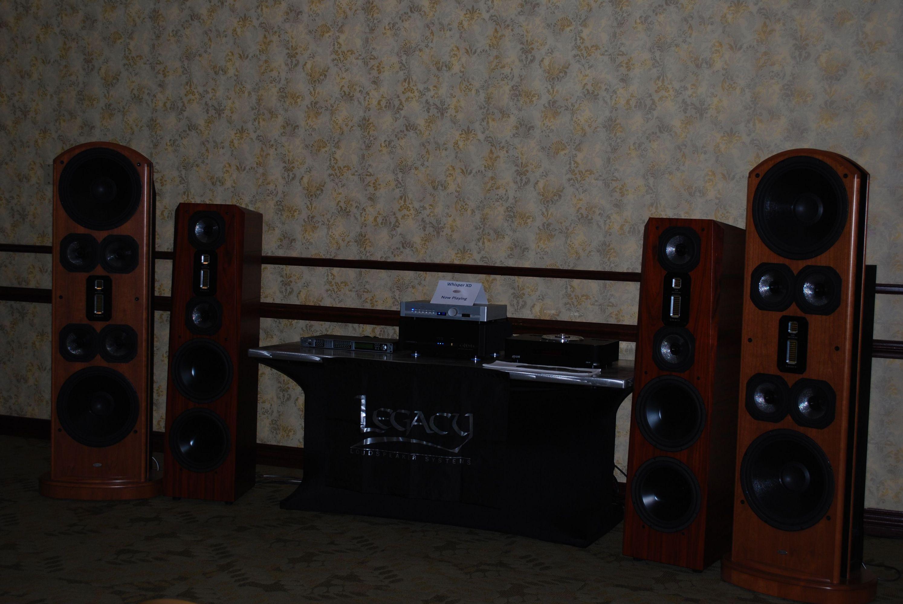 http://lonestaraudiofest.com/2013/Photos/Dsc_0079.jpg